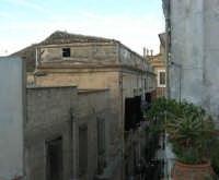 vecchie case del centro storico, in via XI Febbraio  - 1 gennaio 2007  - Alcamo (1039 clic)