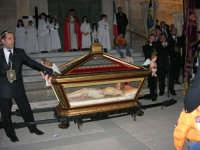 Processione del Venerdì Santo - 14 aprile 2006  - Alcamo (1345 clic)