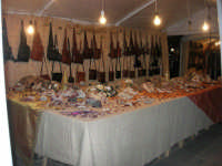 mercatino dell'artigianato in piazza Ciullo - 17 dicembre 2008  - Alcamo (1208 clic)