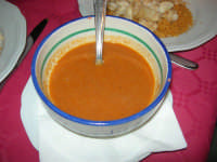 il denso brodo per il cous cous di pesce presso il ristorante La Cambusa - 19 settembre 2007  - Castellammare del golfo (2241 clic)