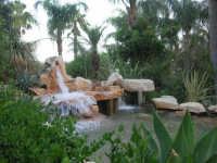 giardino del Ristorante Panorama Garden, in contrada Sangiovannello - 29 luglio 2007  - Erice (2581 clic)