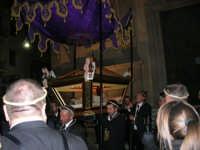 Processione del Venerdì Santo - 14 aprile 2006  - Alcamo (1211 clic)