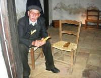 Il Presepe Vivente di Custonaci nella grotta preistorica di Scurati (grotta Mangiapane) (184) - 26 dicembre 2007   - Custonaci (1029 clic)