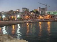 si fa sera: le luci si accendono - 1 agosto 2007  - Marinella di selinunte (2353 clic)