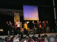 Rassegna musicale giovani autori Omaggio a De André: KAIORDA di Palermo e MARCOSBANDA di Roma salutano alla fine dello spettacolo - Teatro Cielo d'Alcamo - 11 febbraio 2006   - Alcamo (1378 clic)