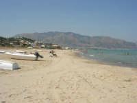 spiaggia, mare e monti di Castellammare (1) - 28 agosto 2007    - Alcamo marina (830 clic)