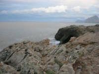 Golfo di Bonagia - scogliera e monte Cofano - 16 novembre 2008   - Pizzolungo (4541 clic)