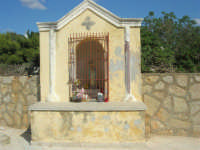 Cappella votiva dedicata alla Madonna - 28 settembre 2008   - Marausa lido (1722 clic)