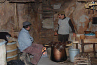 Il Presepe Vivente di Custonaci nella grotta preistorica di Scurati (grotta Mangiapane) (9) - 26 dicembre 2007  - Custonaci (1114 clic)