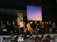 Rassegna musicale giovani autori Omaggio a De André: KAIORDA di Palermo e MARCOSBANDA di Roma salutano alla fine dello spettacolo - Teatro Cielo d'Alcamo - 11 febbraio 2006   - Alcamo (1504 clic)