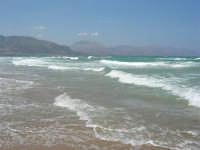 domenica: mare molto agitato - 5 agosto 2007  - Alcamo marina (1139 clic)