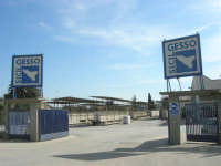 SICILGESSO, in contrada Fegotto, lo stabilimento nei pressi della stazione ferroviaria di Alcamo Diramazione - 4 ottobre 2007  - Alcamo (4118 clic)