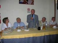 presso il ristorante Gulliver, tiene il suo discorso Mario Infantino in occasione della cena a base di pizza dei dipendenti Enel, con relative famiglie, (un simpatico incontro tra le vecchie e le nuove generazioni: dall'Officina Elettrica all'Enel che non c'è più)- 6 ottobre 2006  - Alcamo (3226 clic)