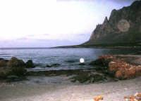 la costa ed il monte Cofano all'imbrunire - 26 dicembre 2007  - Cornino (2784 clic)