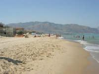 spiaggia, mare e monti di Castellammare (2) - 28 agosto 2007      - Alcamo marina (942 clic)