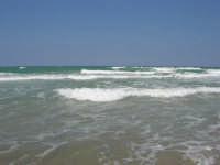 domenica: mare molto agitato - 5 agosto 2007  - Alcamo marina (1151 clic)