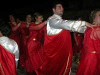 Carnevale 2008 - XVII Edizione Sfilata di Carri Allegorici - Cavalcano gli ... Eroi a Roma - Comitato San Marco - 3 febbraio 2008   - Valderice (1017 clic)