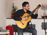 Concerto NAPOLINCANTO - Domenico De Luca (chitarra solista e percussioni) - 10 dicembre 2009  - Alcamo (2640 clic)