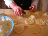 la preparazione delle genovesi - C.da Digerbato - Tenuta Volpara - 21 dicembre 2008   - Marsala (1567 clic)