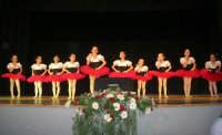 presso il Teatro Cielo d'Alcamo, il Saggio di danza, diretto da Rosanna Stabile - ARTE LIBERA - I Colori del mondo: LA PACE (foto 11)- 16 GIUGNO 2007  - Alcamo (990 clic)