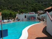 Villaggio Turistico Capo Calavà: piscina - 23 luglio 2006  - Gioiosa marea (2567 clic)