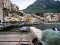 al porto: panorama - 20 aprile 2007  - Castellammare del golfo (770 clic)