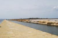 Saline Infersa e canale dell'imbarcadero per l'isola di Mozia - 24 settembre 2007  - Marsala (1002 clic)