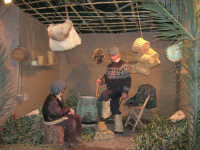 Presepe Vivente presso l'Istituto Comprensivo A. Manzoni, animato da alunni della scuola e da anziani del paese - il casaro - 20 dicembre 2007   - Buseto palizzolo (1014 clic)