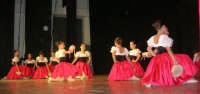 presso il Teatro Cielo d'Alcamo, il Saggio di danza, diretto da Rosanna Stabile - ARTE LIBERA - I Colori del mondo: LA PACE (foto 17)- 16 GIUGNO 2007  - Alcamo (1210 clic)