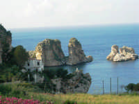 i faraglioni - 1 maggio 2007  - Scopello (1008 clic)