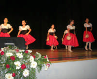 presso il Teatro Cielo d'Alcamo, il Saggio di danza, diretto da Rosanna Stabile - ARTE LIBERA - I Colori del mondo: LA PACE (foto 18)- 16 GIUGNO 2007  - Alcamo (1071 clic)