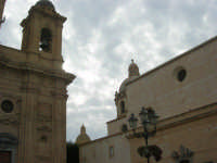 campanile della Chiesa Madre, cupole della Chiesa di San Giuseppe e dell'ex Chiesa del Purgatorio - 24 settembre 2007  - Marsala (1344 clic)