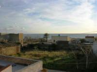 uno sguardo verso il mare - 4 gennaio 2007  - Torretta granitola (1212 clic)