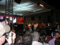 Cous Cous Fest 2007 - In Piazza Santuario, cerimonia di premiazione miglior cous cous 2007, presenta Sasà Salvaggio. Sul palco anche il Sindaco Giuseppe Peraino - 28 settembre 2007   - San vito lo capo (1142 clic)