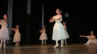 presso il Teatro Cielo d'Alcamo, il Saggio di danza, diretto da Rosanna Stabile - ARTE LIBERA - I Colori del mondo: LA PACE (foto 23)- 16 GIUGNO 2007  - Alcamo (1192 clic)