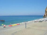 Villaggio Turistico Capo Calavà: la spiaggia ed il mare - All'orizzonte si intravedono le Isole Eolie - 23 luglio 2006  - Gioiosa marea (2431 clic)