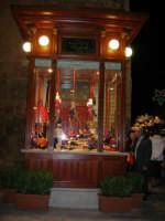 in piazza Ciullo il chiosco appena restaurato - 23 dicembre 2006   - Alcamo (828 clic)