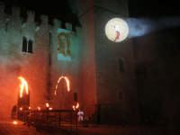 Festeggiamenti Maria SS. dei Miracoli - La Festa del Paradiso - L'Assalto al Castello - Piazza Castello - 20 giugno 2008  - Alcamo (588 clic)