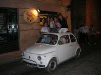 Notte Bianca - Si festeggiano i 50 anni della mitica  500: sfilata nel corso IV Aprile (cassaru strittu)- (44)- 10 agosto 2007  - Alcamo (1102 clic)