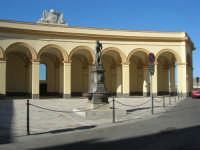 Piazza del Mercato del Pesce e statua di Venere Anadiomene - 6 settembre 2007  - Trapani (899 clic)