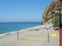 Villaggio Turistico Capo Calavà: la spiaggia ed il mare - All'orizzonte si intravedono le Isole Eolie - 23 luglio 2006  - Gioiosa marea (2391 clic)