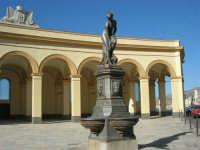 Piazza del Mercato del Pesce e statua di Venere Anadiomene  - 6 settembre 2007  - Trapani (1766 clic)