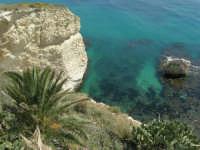 a strapiombo sul mare - 25 aprile 2008   - Sciacca (1579 clic)