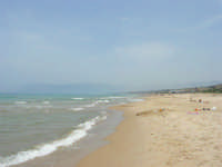 domenica al mare: finalmente per noi il primo bagno! - 21 maggio 2006   - Alcamo marina (1199 clic)