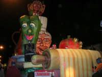 Carnevale 2008 - XVII Edizione Sfilata di Carri Allegorici - La prova del cuoco - Ass.ne A.C.R.A.S.S. Casalbianco - 3 febbraio 2008   - Valderice (1210 clic)