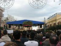 Festa di li Schietti - Piazza Duomo - il palco - la gara dell'alzata dell'albero - 23 marzo 2008    - Terrasini (1674 clic)
