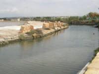 Saline Infersa e canale dell'imbarcadero per l'isola di Mozia - 24 settembre 2007  - Marsala (1185 clic)