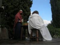 Processione della Via Crucis con gruppi statuari viventi - 5 aprile 2009   - Buseto palizzolo (1455 clic)