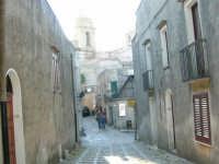 Strada acciottolata - 14 luglio 2005  - Erice (1644 clic)