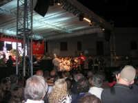 Cous Cous Fest 2007 - In Piazza Santuario, cerimonia di premiazione miglior cous cous 2007, presenta Sasà Salvaggio. Sul palco anche il Sindaco Giuseppe Peraino - Si ringraziano tutti i ragazzi delle scuole alberghiere che hanno contribuito alla realizzazione della manifestazione  - 28 settembre 2007   - San vito lo capo (1181 clic)